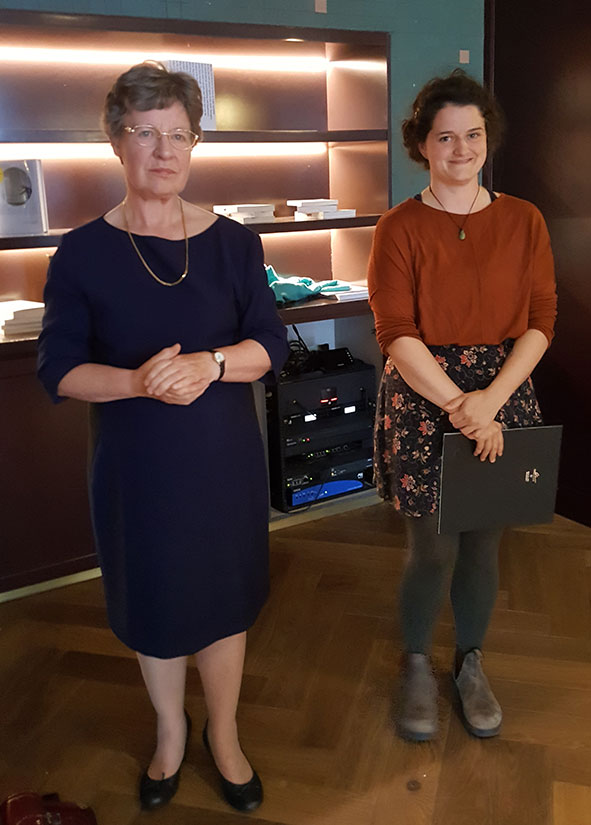 Photo of Jocelyn Bell Burnell & 2018 Award Winner Katie Carbonara TCD